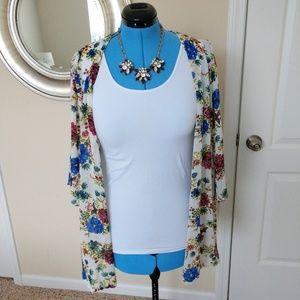 Skies are Blue Floral Kimono Size L
